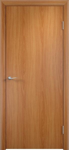 Глухая гладкая ламинированная дверь эконом класса в цвете миланский орех производства фабрики Верда